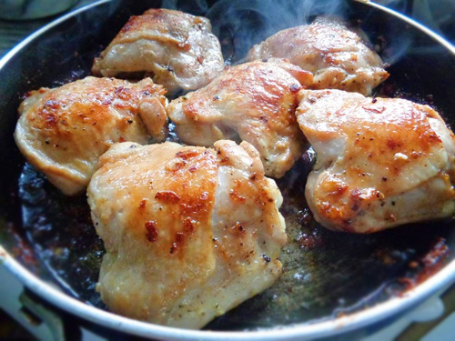 Cách làm gà quay bằng chảo