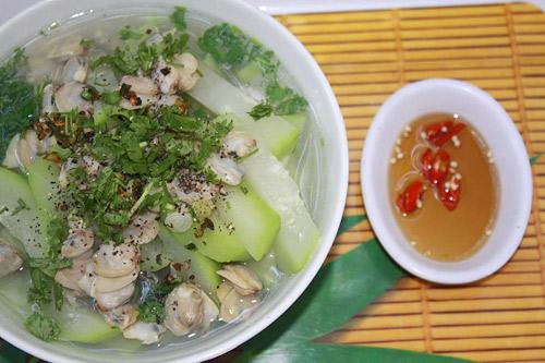 Canh ngao nấu bầu hết sầu cả trưa